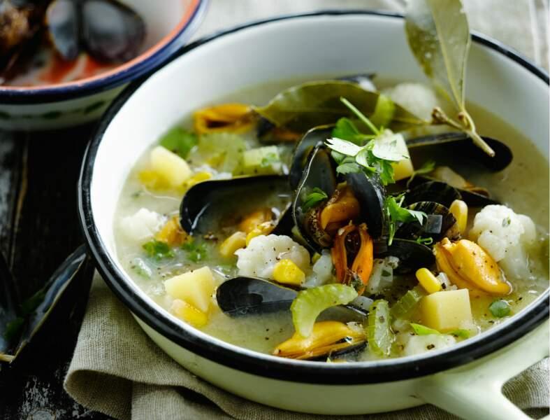 Soupe de moules au chou-fleur
