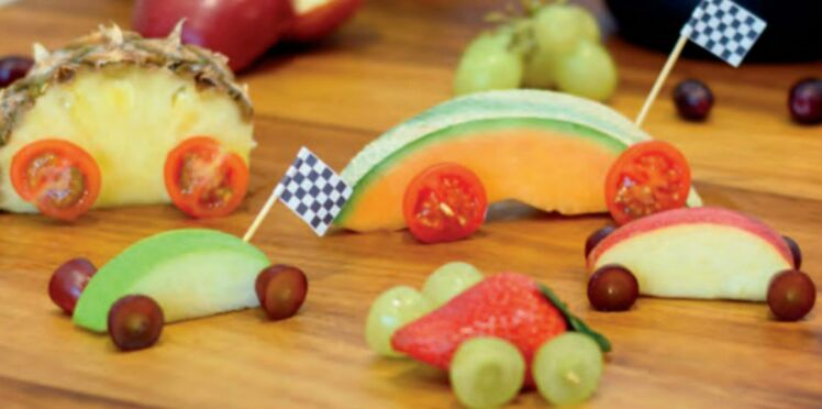 Collations de fruits amusantes en forme des voitures de Cars