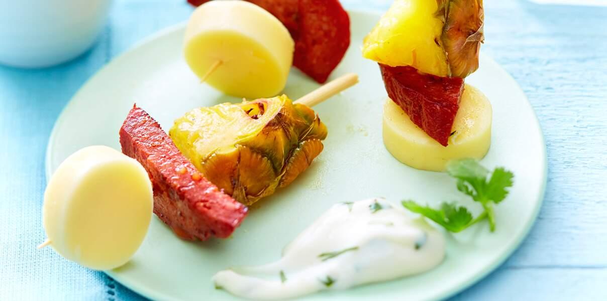 Mini brochettes au vacherin, chorizo et ananas