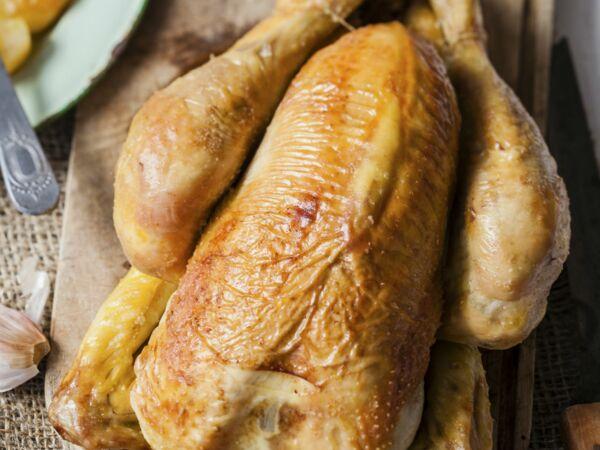 poulet au four tr s facile d couvrez les recettes de cuisine de femme actuelle le mag. Black Bedroom Furniture Sets. Home Design Ideas