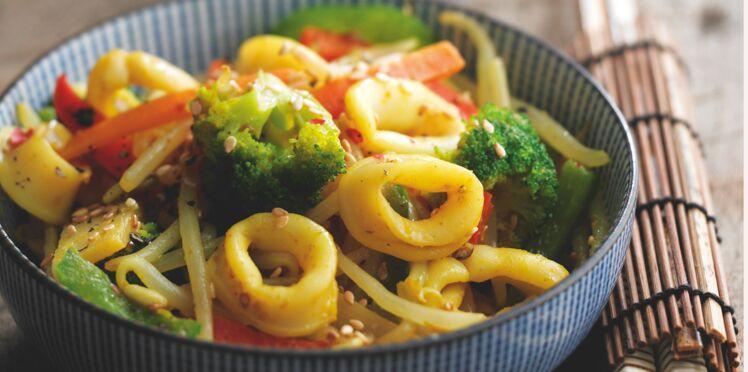 Wok de calmars et légumes croquants