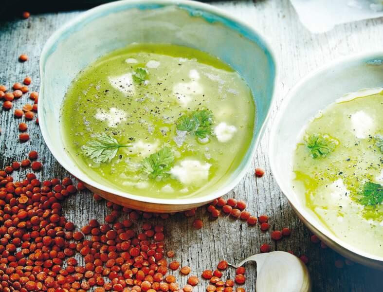 Soupe de lentilles corail et chèvre frais