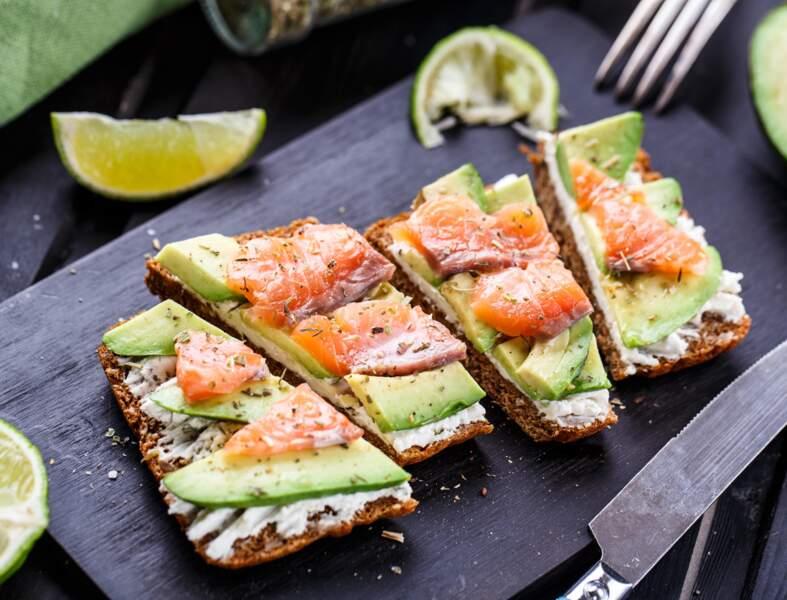 Toast saumon avocat