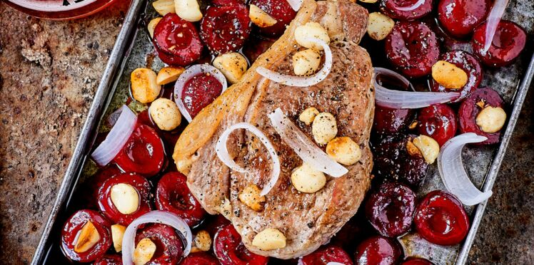 Côtes de veau et cerises au sirop d'érable