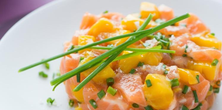 Tartare de saumon, mangue et ciboulette