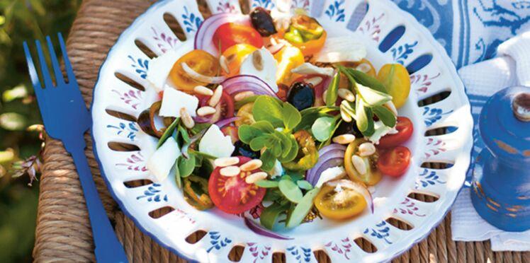 Salade de pourpier au chèvre et aux pignons