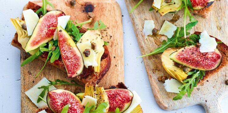 Tartine au pecorino, artichauts et figues