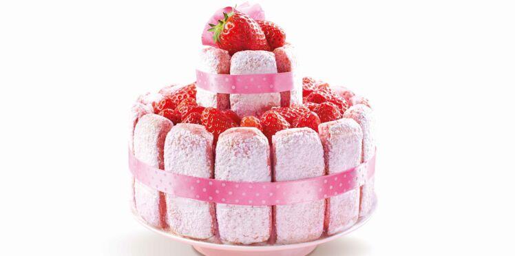 Charlotte aux fraises aux biscuits roses de Reims