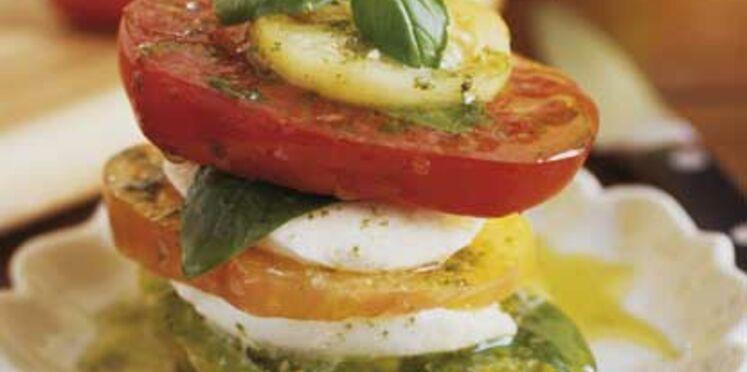 Mille-feuilles de tomates et mozzarella