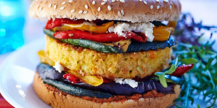 Veggie burger aux légumes grillés
