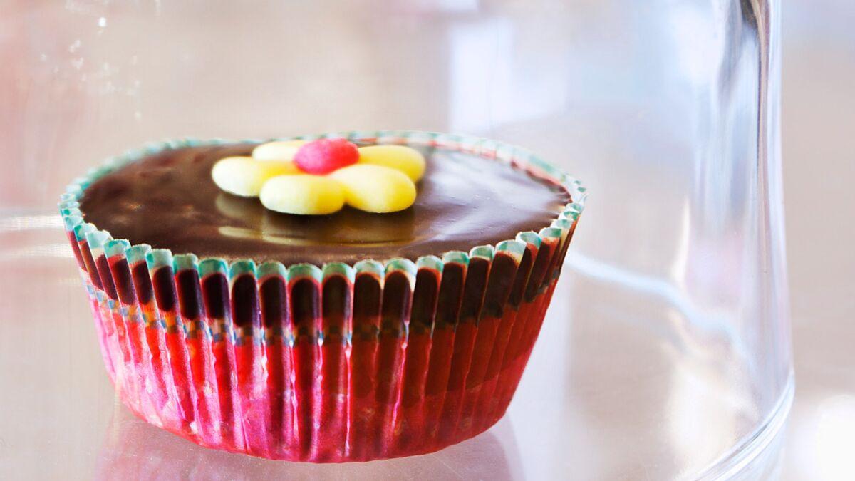 Cupcake sablé, confiture de lait et ganache chocolat (Milliardaire)
