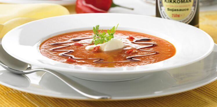 Soupe poivrons-tomates à l'espagnole
