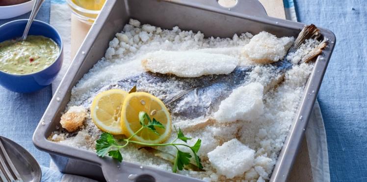 Poisson en croûte de sel, beurre au citron et câpres
