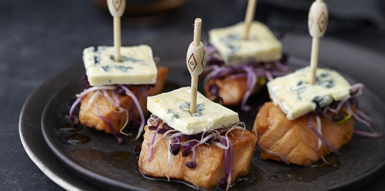 Bouchées de saumon confit au soja, bleu et pousses de radis