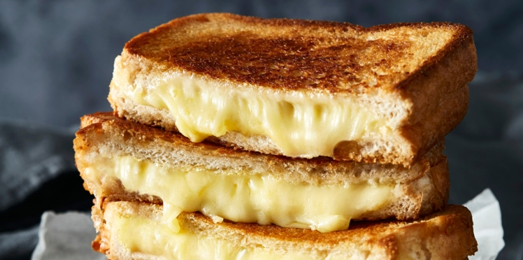 Croque au fromage à raclette