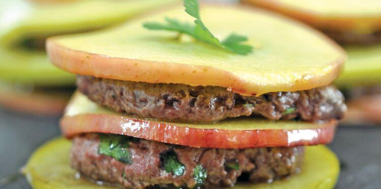 Burger de pomme et bœuf à la coriandre fraîche