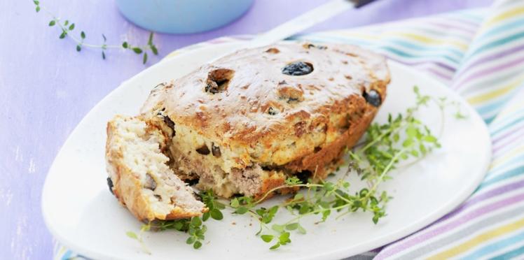 Cake thon curry et cacahuètes très facile