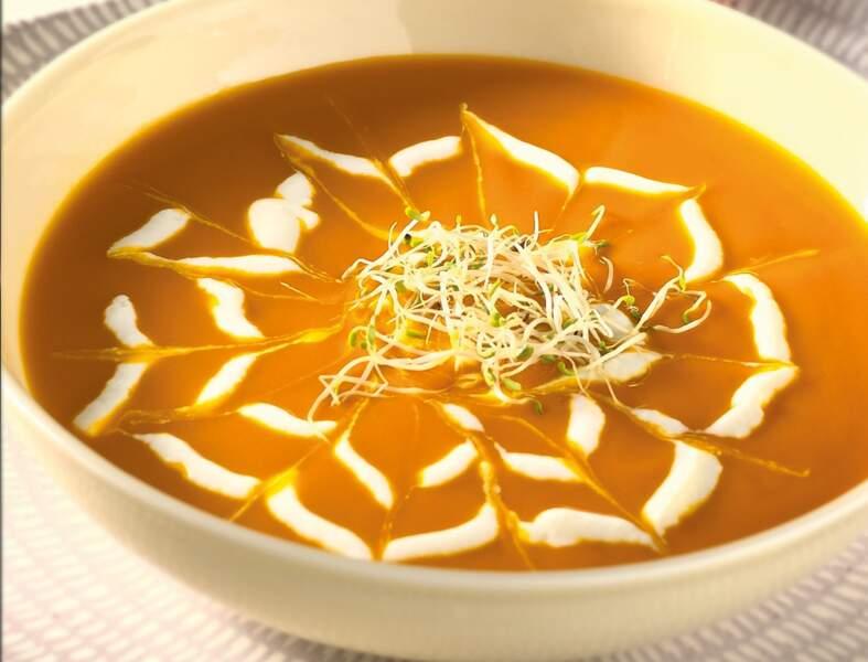 Soupe de potimarron au fénugrec et graines germées d'alfalfa