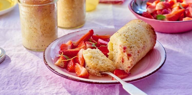 Cake en bocal au citron et mascarpone, salade de fraises à la verveine