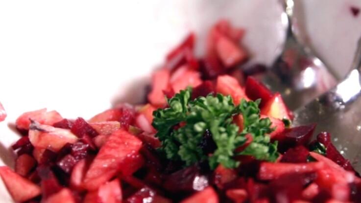 Recette détox : la salade pomme-betterave pour régénérer le foie (vidéo)