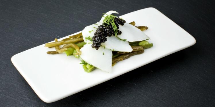 Effeuillé de cabillaud à la vapeur d'aneth, salicorne acidulée et caviar Osciètre Labeyrie