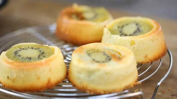 La recette du moelleux aux kiwis et zeste de citron en vidéo