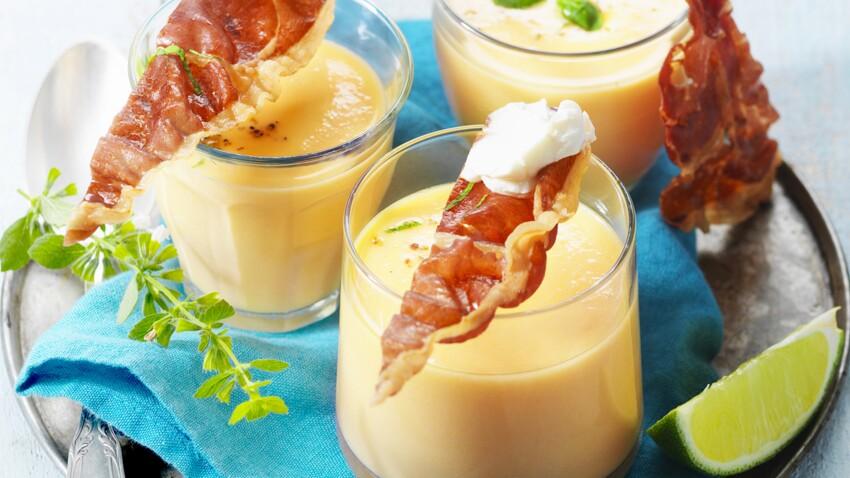Gaspacho de melon au St Môret® et jambon de Parme croustillant