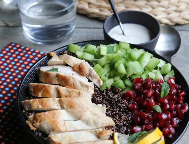 Bowl poulet, quinoa, concombre et grenade