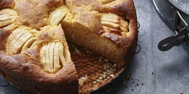 Gâteau aux pommes crème anglaise au cidre