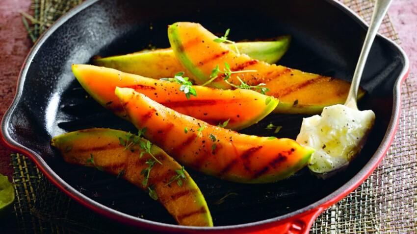 Melon grillé au thym, miel et citron vert