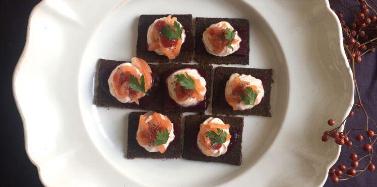Canapé de saumon, betterave et crème de fraise exotique