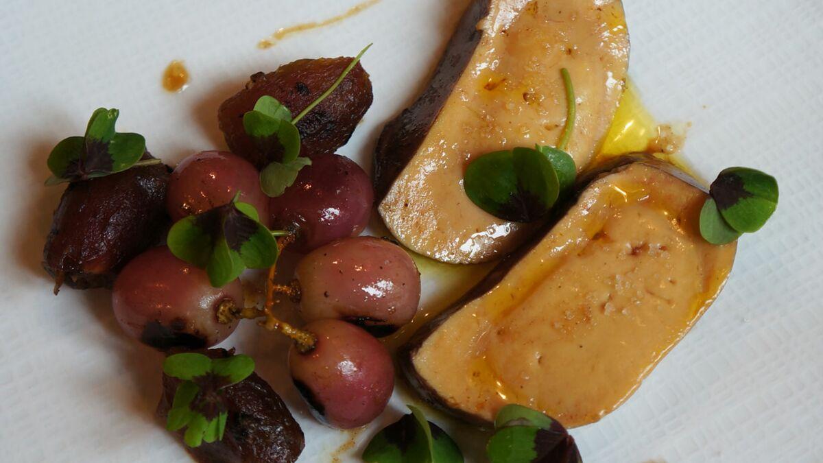 Foie gras poché au vin chaud épicé