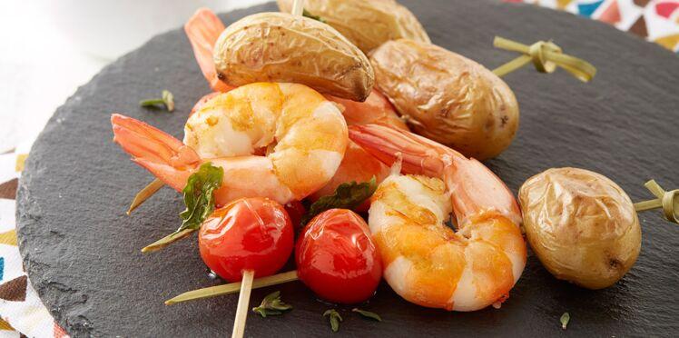 Brochettes de pommes de terre aux gambas
