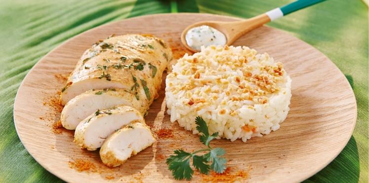 Filet de poulet façon tandoori, riz basmati onctueux aux amandes et sauce coriandre-citron