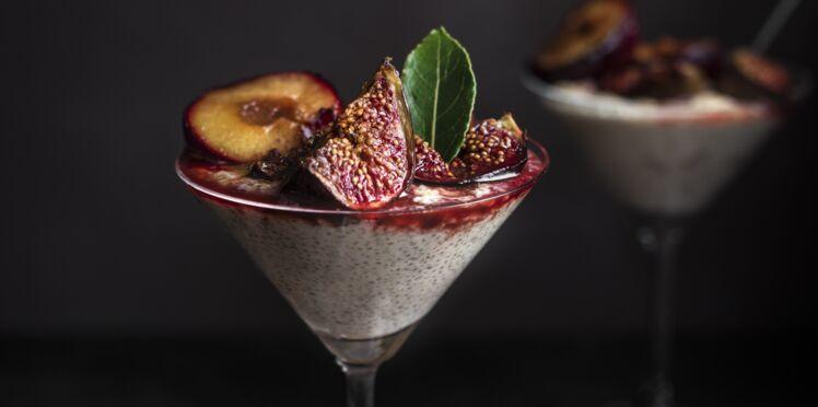 Pudding de quinola onctueux aux prunes et figues épicées