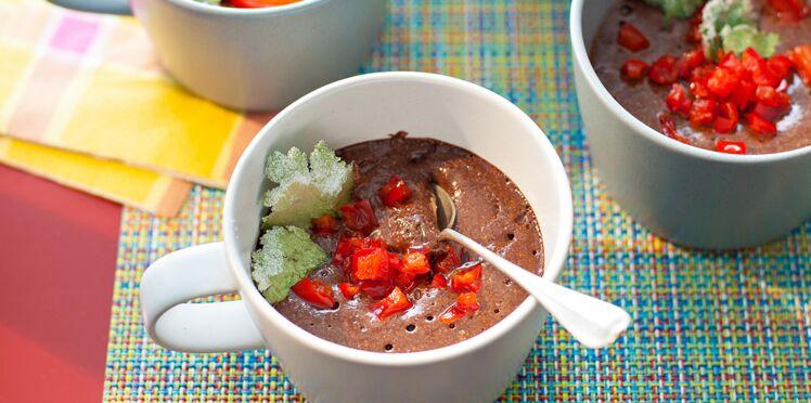 Mousses au chocolat et au poivron