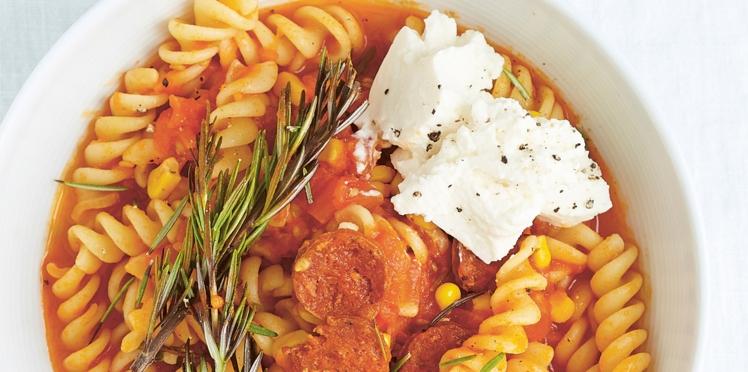 Tortellinis aux tomates, chorizo et ricotta
