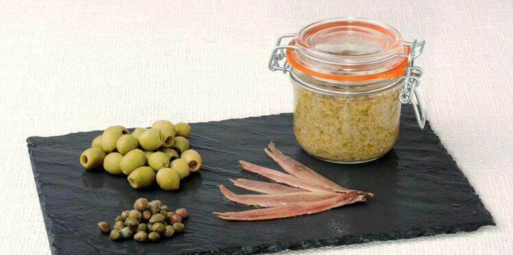 Tapenade d'olives vertes en conserve