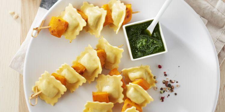 Brochettes de raviolis aux girolles et potimarron rôti