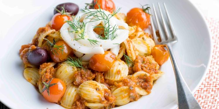 Orecchiette et tagliatelles de calamars aux tomates