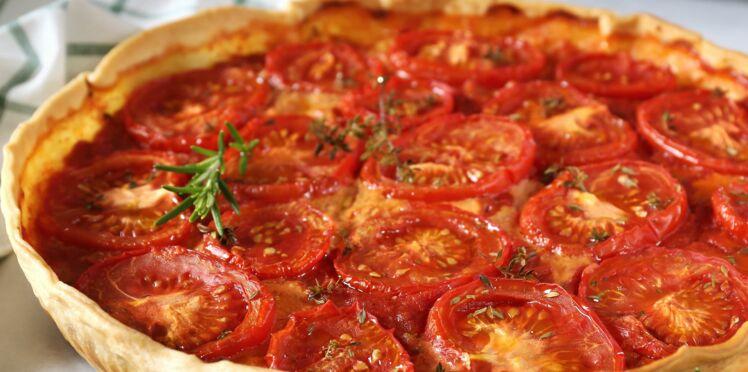 quiche la tomate 226kcal la part d couvrez les recettes de cuisine de femme actuelle le mag. Black Bedroom Furniture Sets. Home Design Ideas