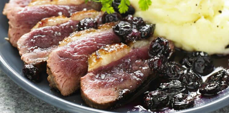 Magrets de canard aux fruits rouges