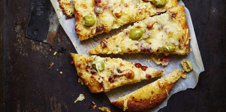 Fougasses aux olives vertes d'Espagne, fromage de brebis et magret fumé