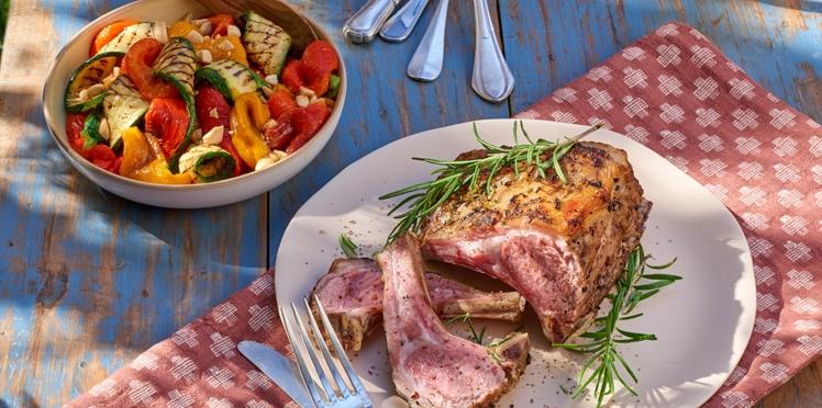 Carré d'agneau et salade de légumes grillés