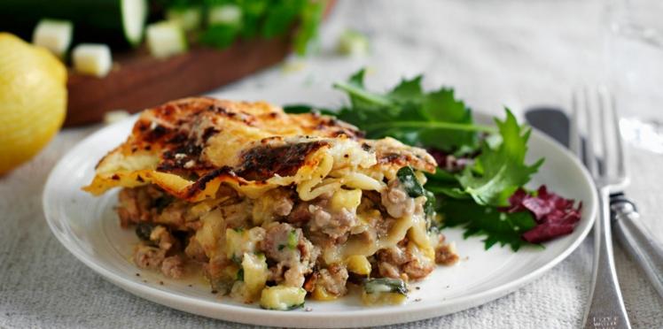 Gratin de pâtes à la viande et aux courgettes