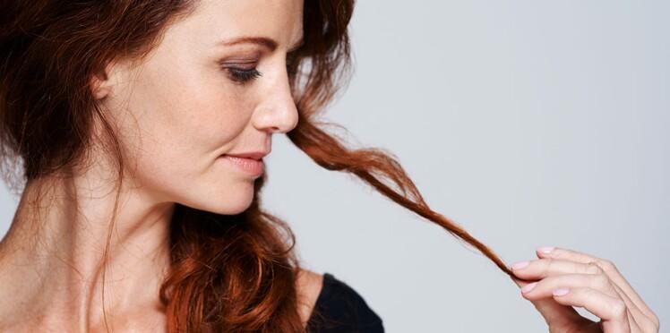 Cheveux cassants : 5 erreurs à éviter
