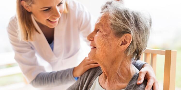 Alzheimer : tous les médicaments déremboursés, y a-t-il des solutions pour les patients ?