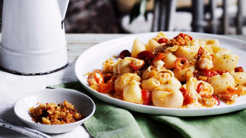 Pipe rigate aux crevettes pimentée, chapelure de pain frit