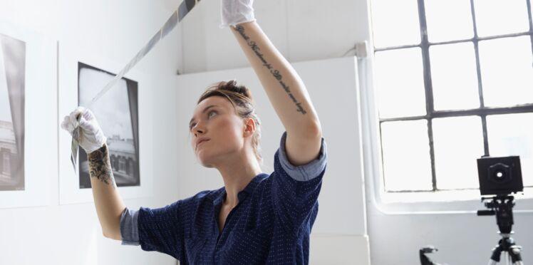 Tatouage : comment le camoufler pour un entretien ou le boulot ?