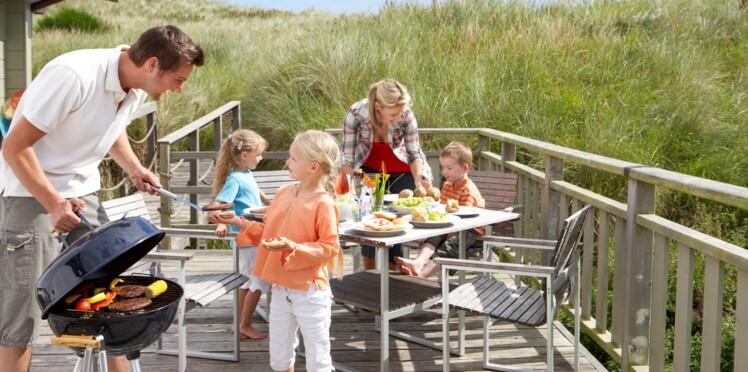 Barbecue, cueillette, naturisme : vos droits en vacances